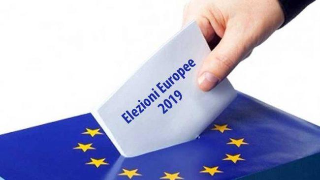 Stampa sotto attacco nell'Europa al voto